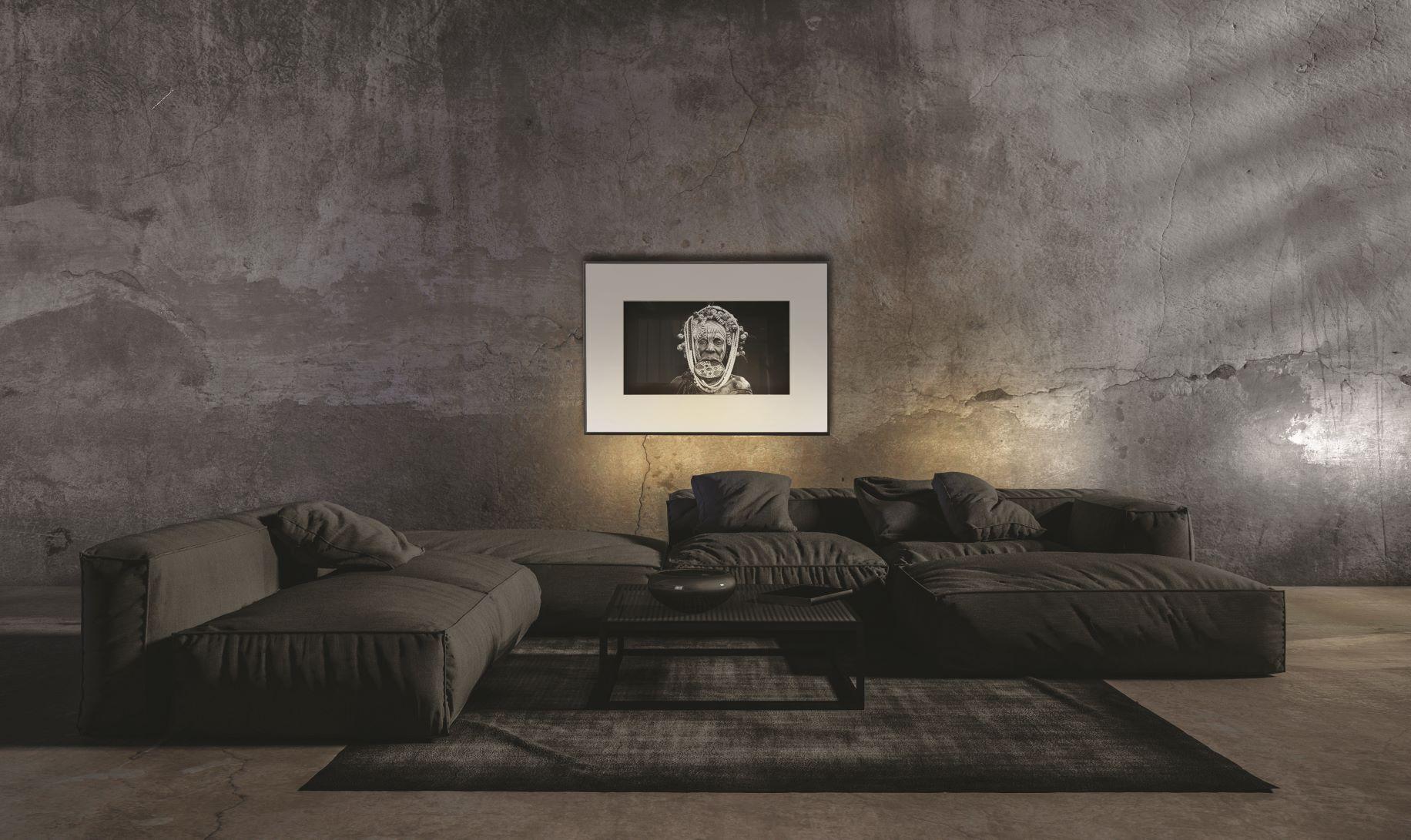 Art and Technology: IONNYK Frames Keep it Classy