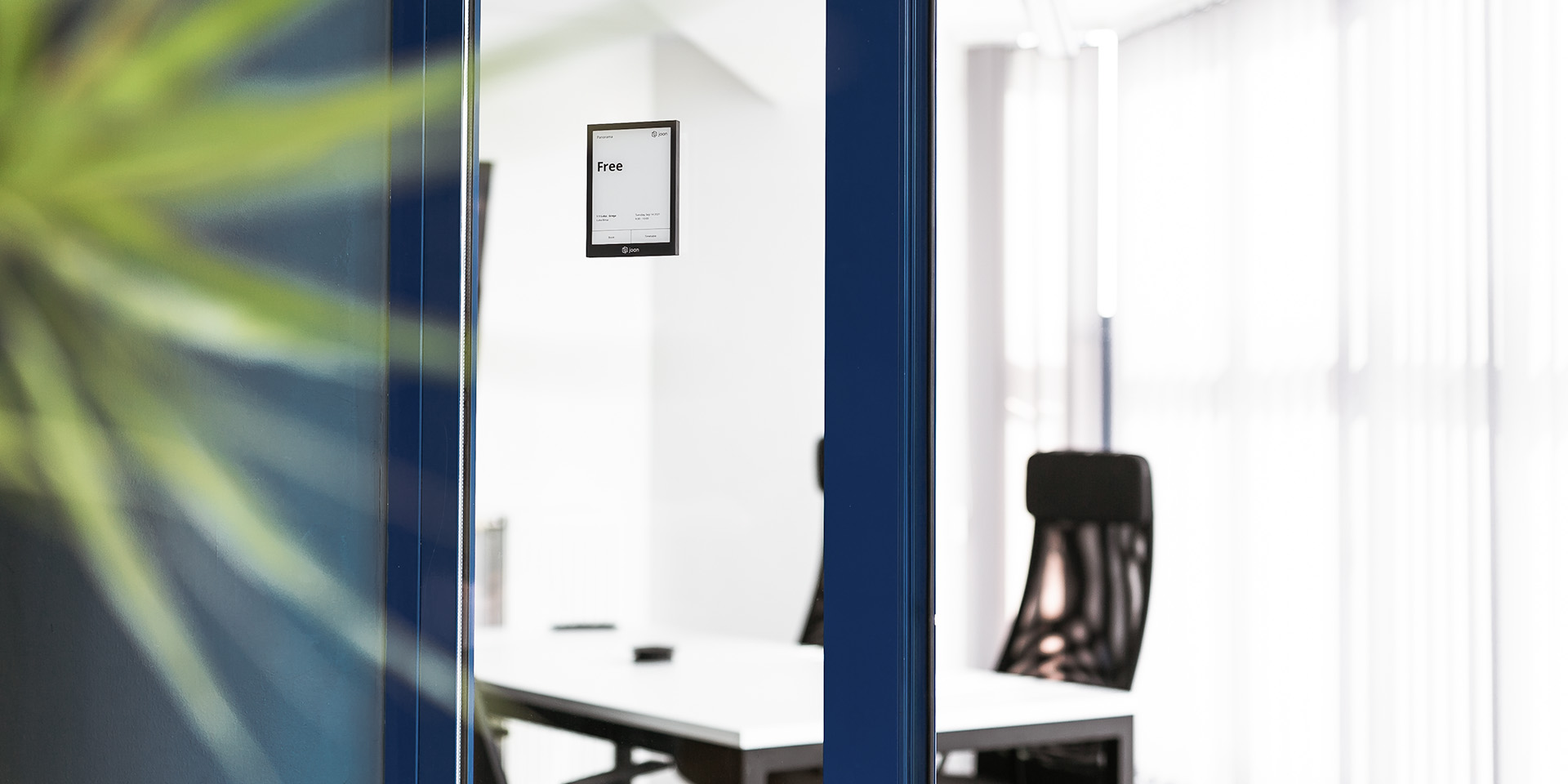 Joan 6 Pro: The trendiest meeting room display on the market with no-hassle management